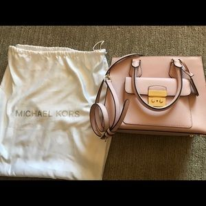 Michael Kors pink handbag. Brand new. Worn once.